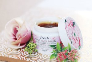 Free mini Rose Lip Treatment & Soy Eye Makeup Removerwith $100 purchase @ Fresh