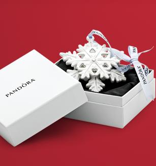 Free OrnamentWith Any $125 Purchase @ Pandora