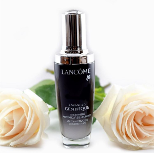Renergie Ultra SampleWith ADVANCED GÉNIFIQUE YOUTH ACTIVATING CONCENTRATE SERUM