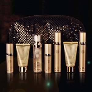 $68 ($129 Value)Ultimate Age Reversal with Travel Pouch @ Eve By Eve's