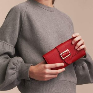 Up to 40% Off + Up to 20% Off + 5% RebateWallets Sale @ Reebonz