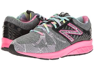 一律$19.99New Balance 特定款童鞋特卖,成人也能穿