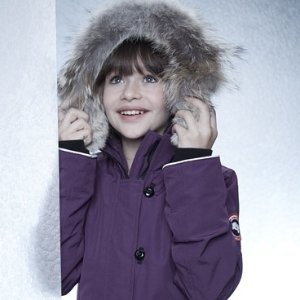 每满$100送$20礼卡超划算Canada Goose 儿童服饰热卖 成人也能穿