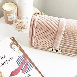 Up To 75% Off + Extra 30% OffPink Bags Sale @ Rebecca Minkoff
