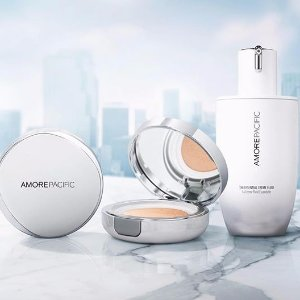 Brightening Indulgence deluxe gift setwith any $250 purchase @ AMOREPACIFIC