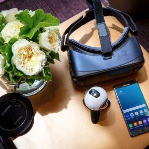 $25Samsung Gear VR 2016 Edition Smartphone VR Headset