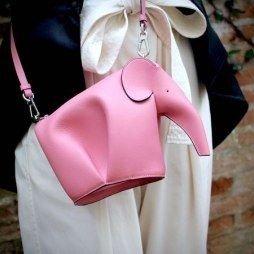9折 满额包邮 收明星同款包Loewe 小象包、Barcelona包等美包、服饰热卖
