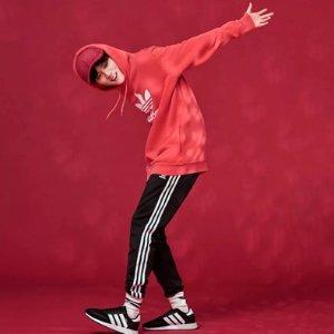 无门槛免邮 穿新衣过新年Adidas澳洲官网 精选中国红美衣、美鞋热卖